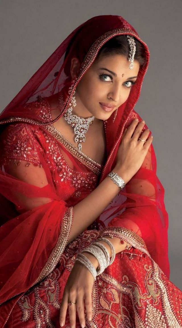Designer Wedding Dresses Indian Style