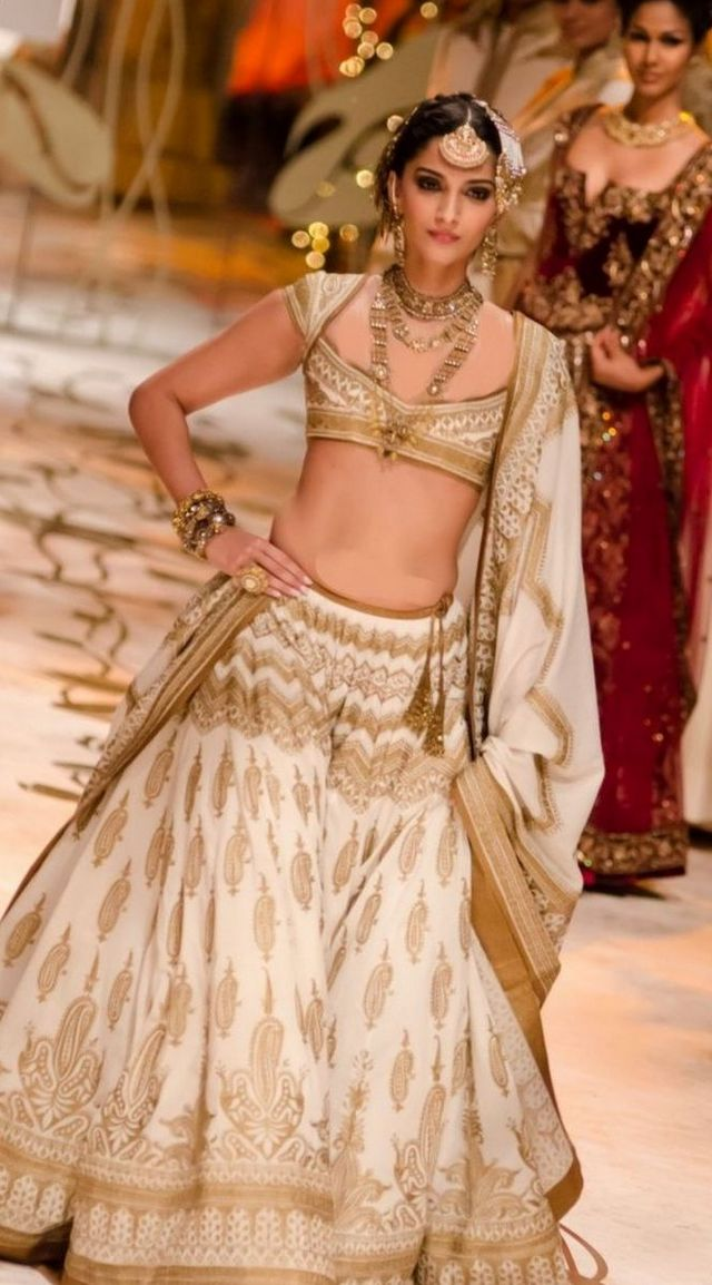 Latest Indian Wedding Dresses For Girls