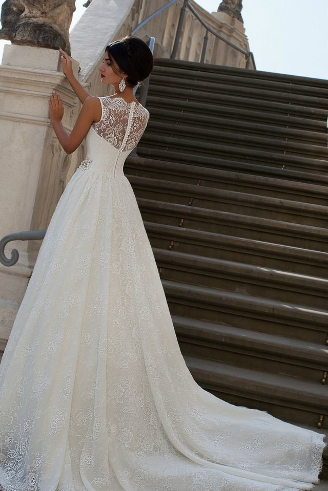 ball gown wedding dresses with long trains