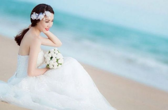beach plus size wedding dresses