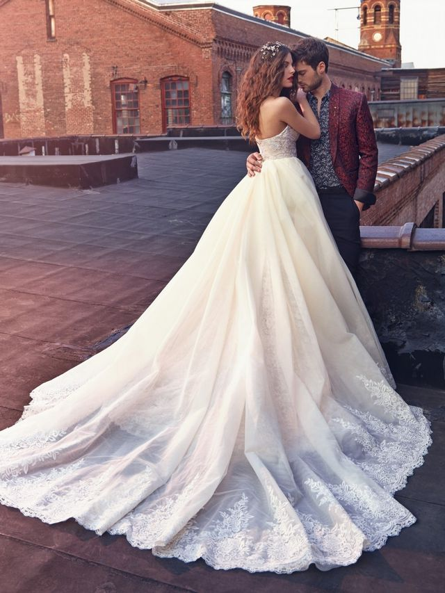 beautiful lace wedding dresses photo