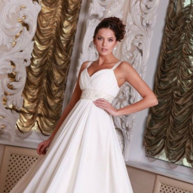 best wedding dresses for pregnant brides