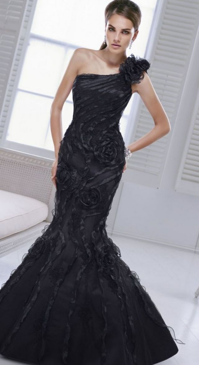 black wedding dress picture