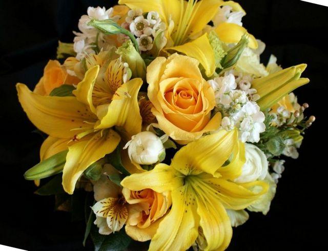 bridal bouquet stargazer lilies