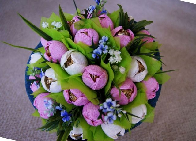 bridal bouquets peonies tulips