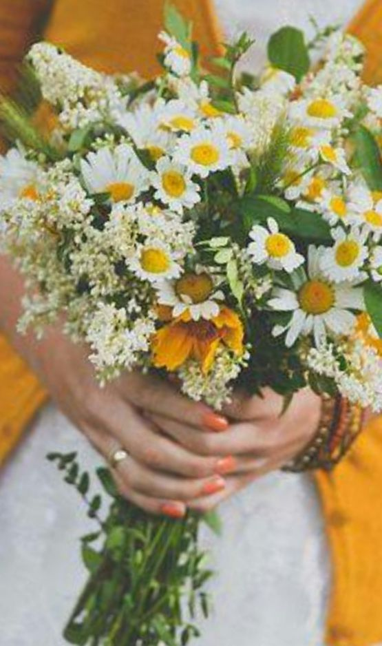 bridal bouquets wildflowers