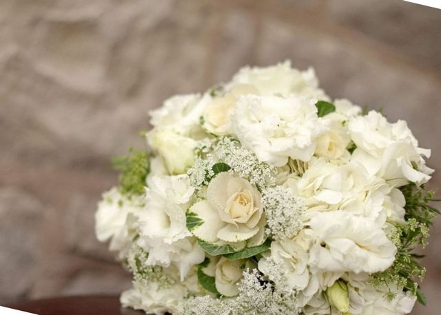 bridal bouquets with green hydrangeas
