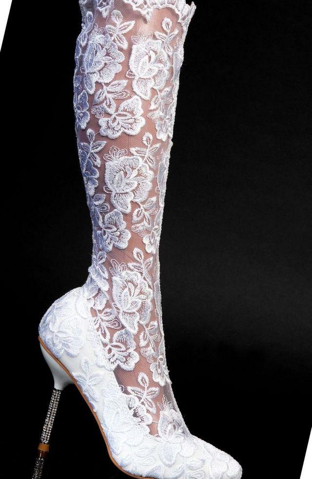 bridal cowboy boots picture