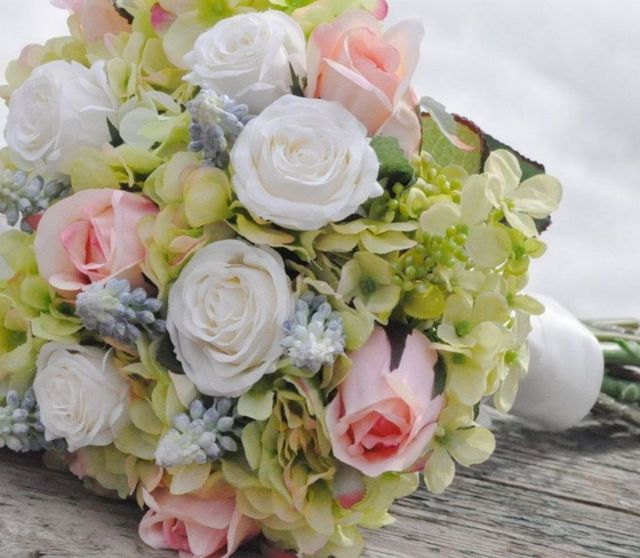 bridal flowers hydrangeas