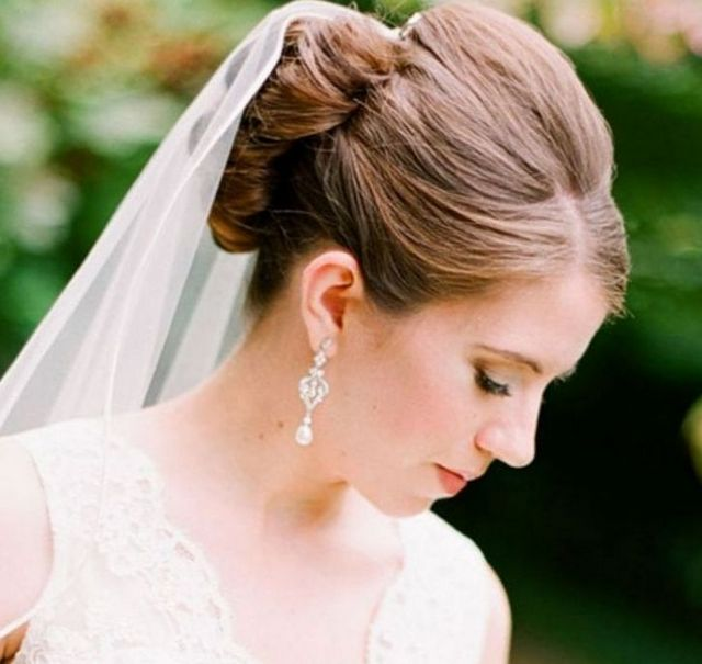 bridal hair down with long veil