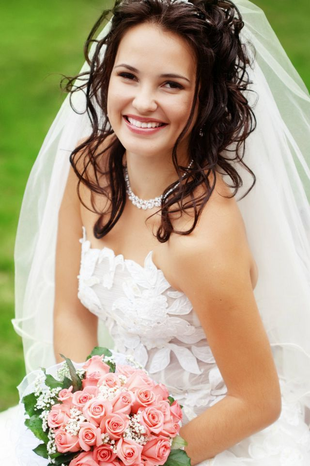 bridal hairstyles for medium brunet hair
