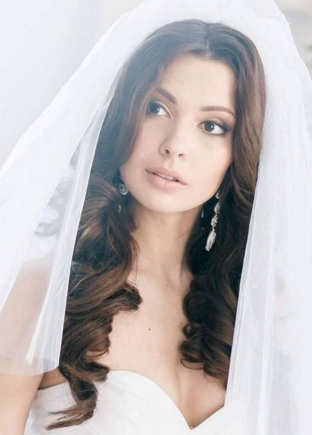 bridal hairstyles hair down long veil