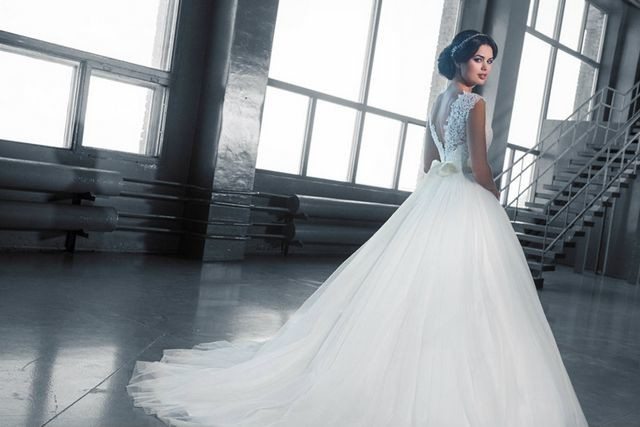 bridal train gown images