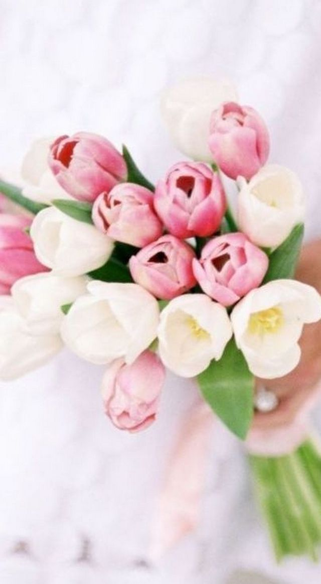 bridal tulip bouquet ideas