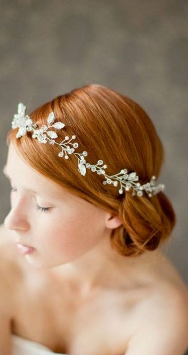 bridal updos for medium hair with tiara