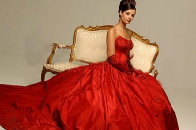 bride in red wedding dress