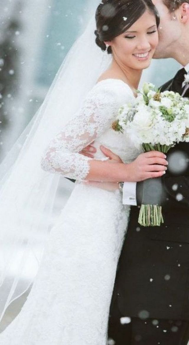 cathedral wedding veils with lace trim