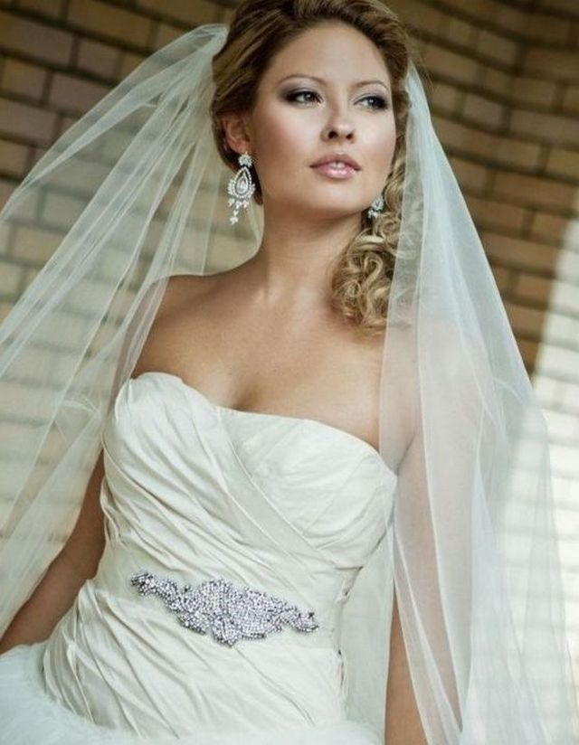 curly wedding updos with long veil