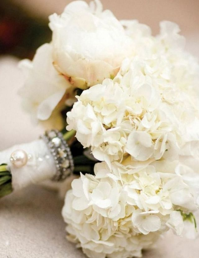 fall wedding bouquets with hydrangeas