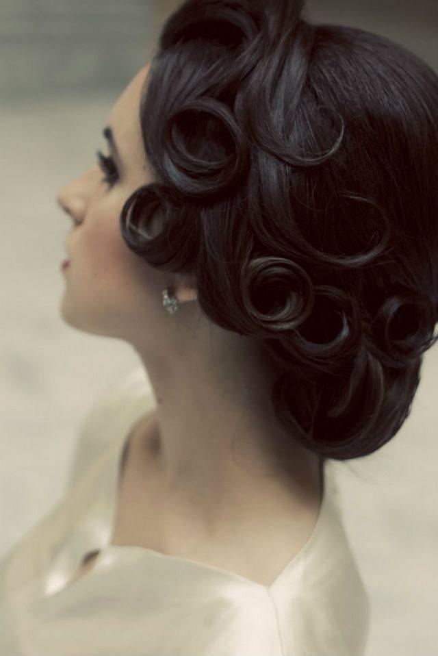 greek bridal hairstyle for short hair