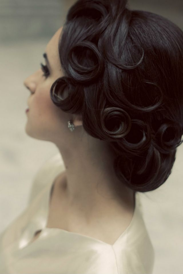 greek bridal hairstyle for short hair