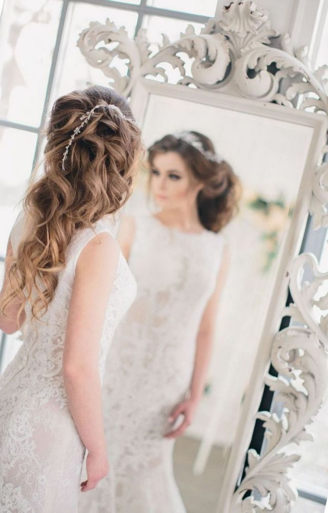 greek goddess bridal hair style