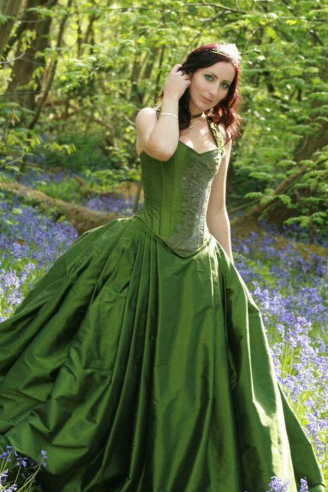 green wedding dress for pregnant