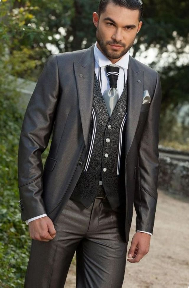 groom and best man suits