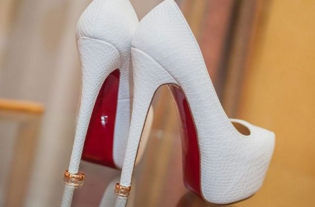 high heels bridal shoes image