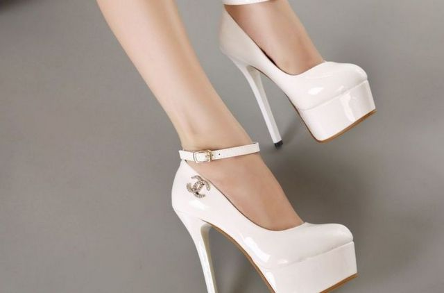 high heels wedding shoes picture