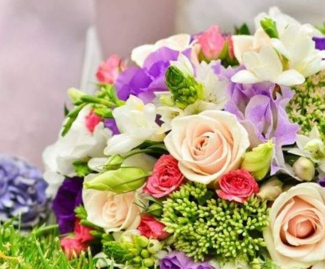 how to choose bridal bouquet flowers