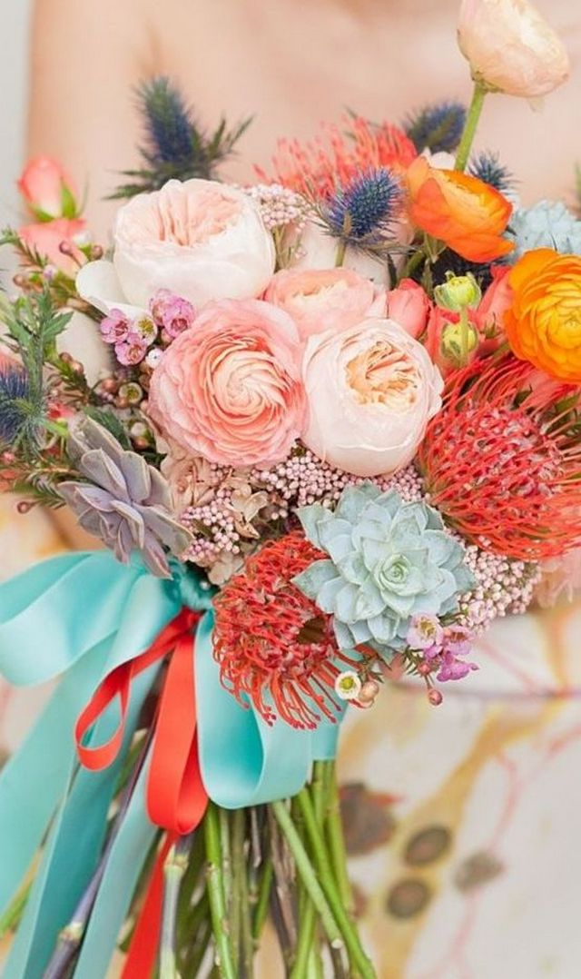 how to choose flowers for a wedding bouquet