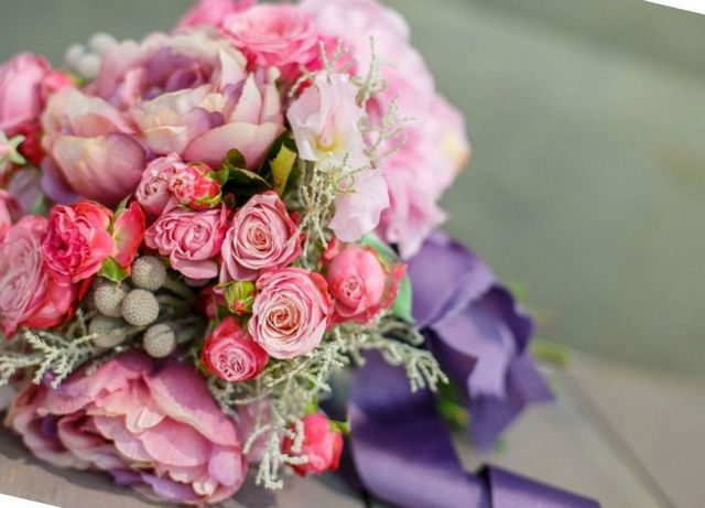 how to choose the perfect wedding flowers