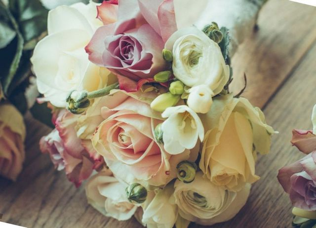how to choose the right bridal bouquet