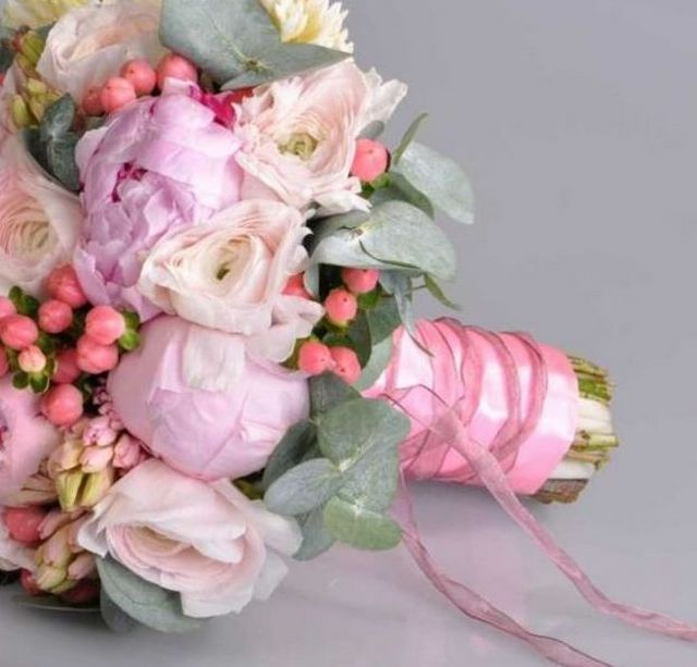 how to choose the right wedding bouquet