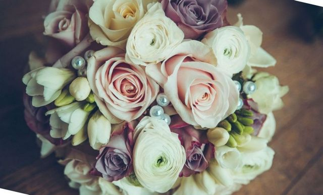 how to make a bridal bouquet from brooches
