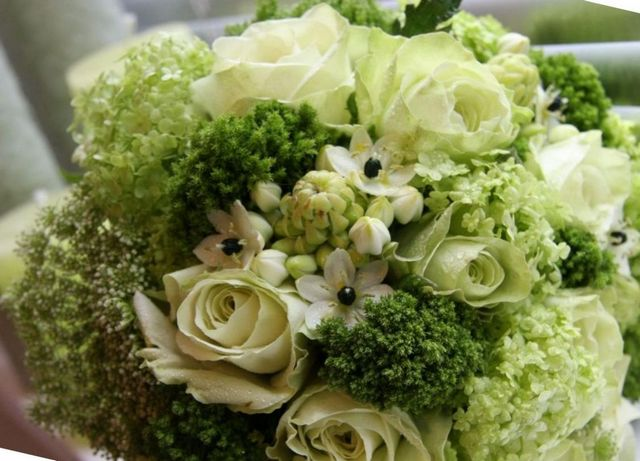 how to make a bridal bouquet roses