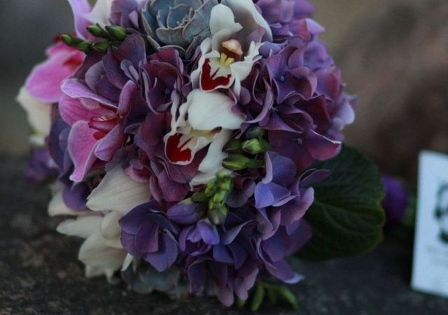 how to make a bridal bouquet with hydrangeas