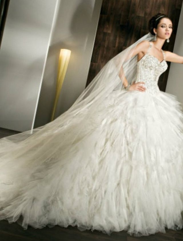 huge puffy dresses for wedding