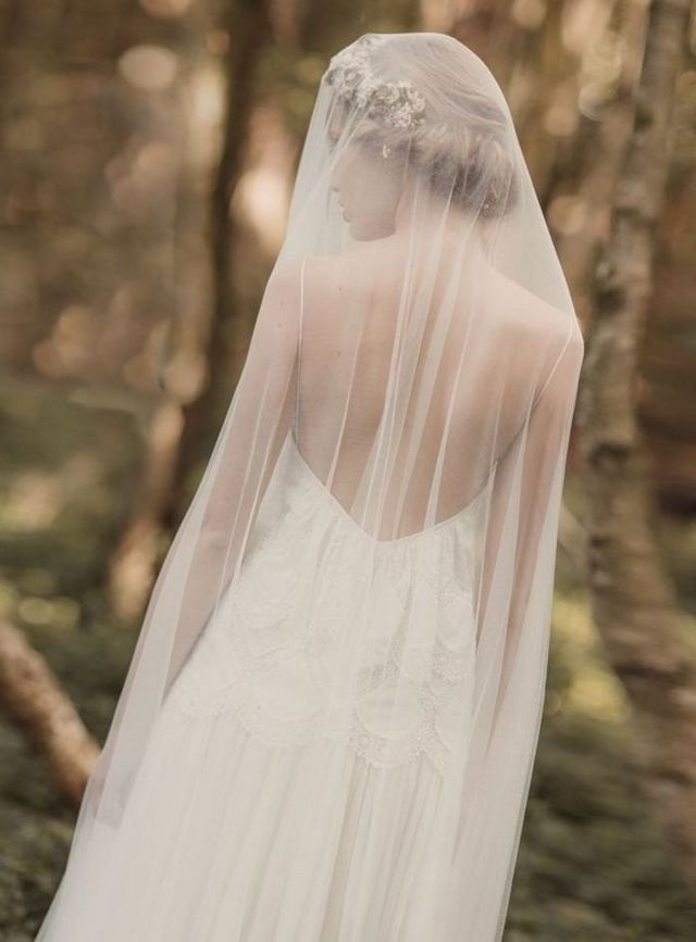 long bridal veils with lace applique