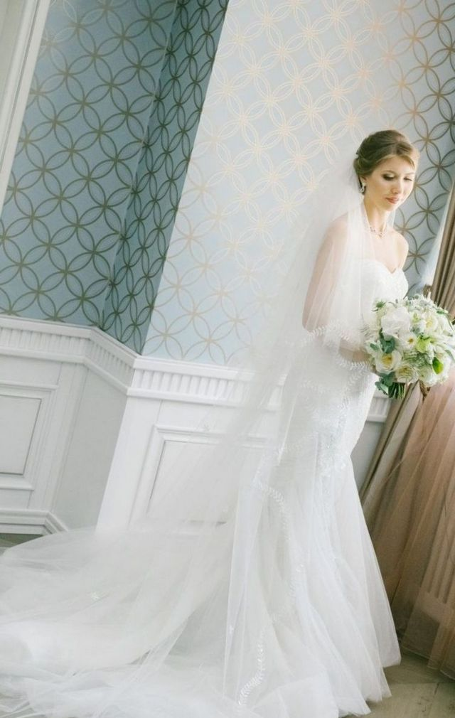 long bridal veils with lace