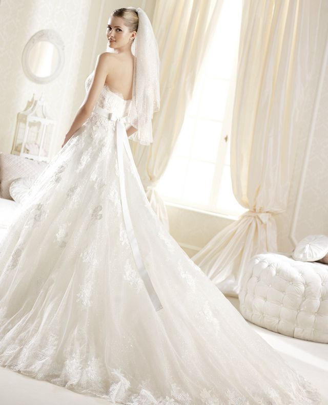 long train puffy wedding gowns