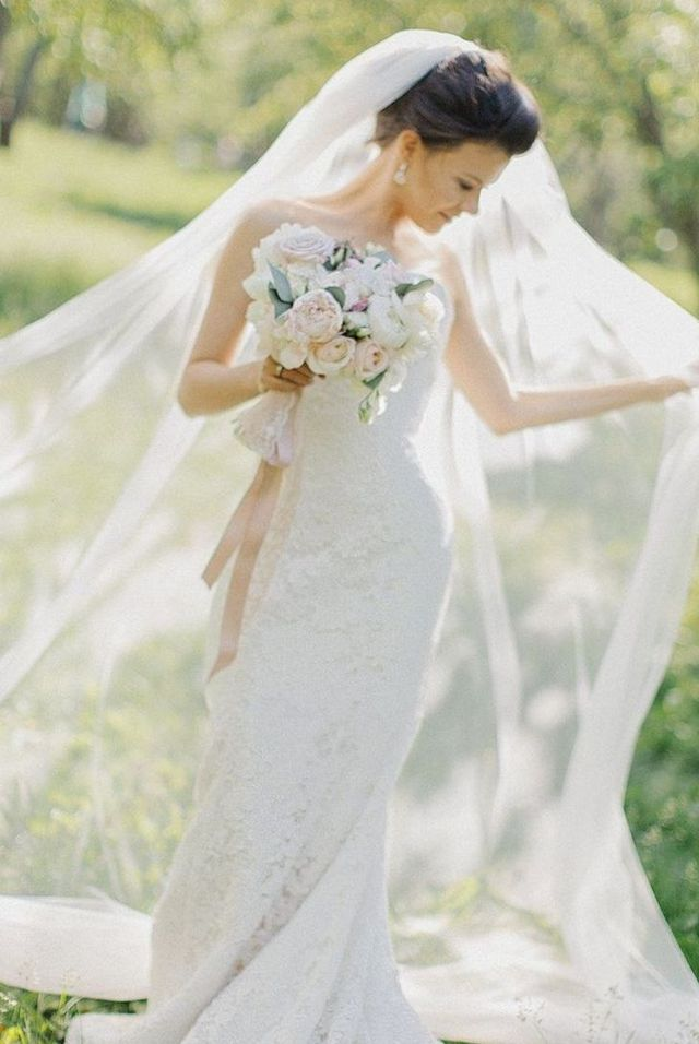 long wedding veils photo
