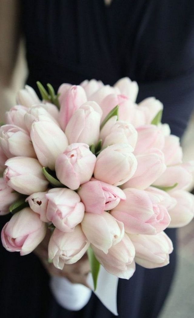 make tulips wedding bouquet