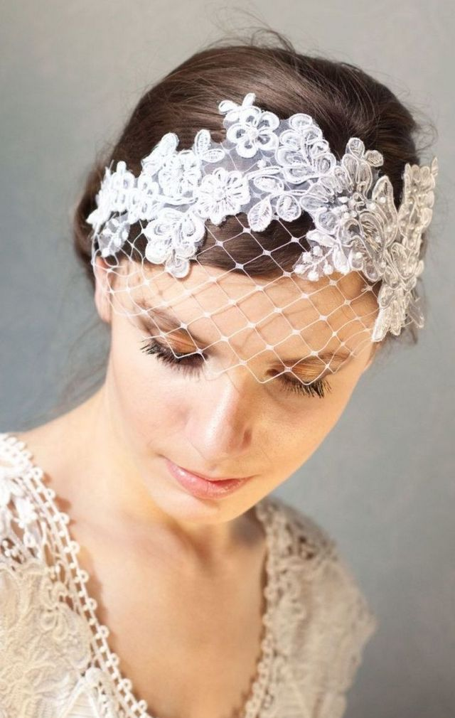 mini wedding veils with lace