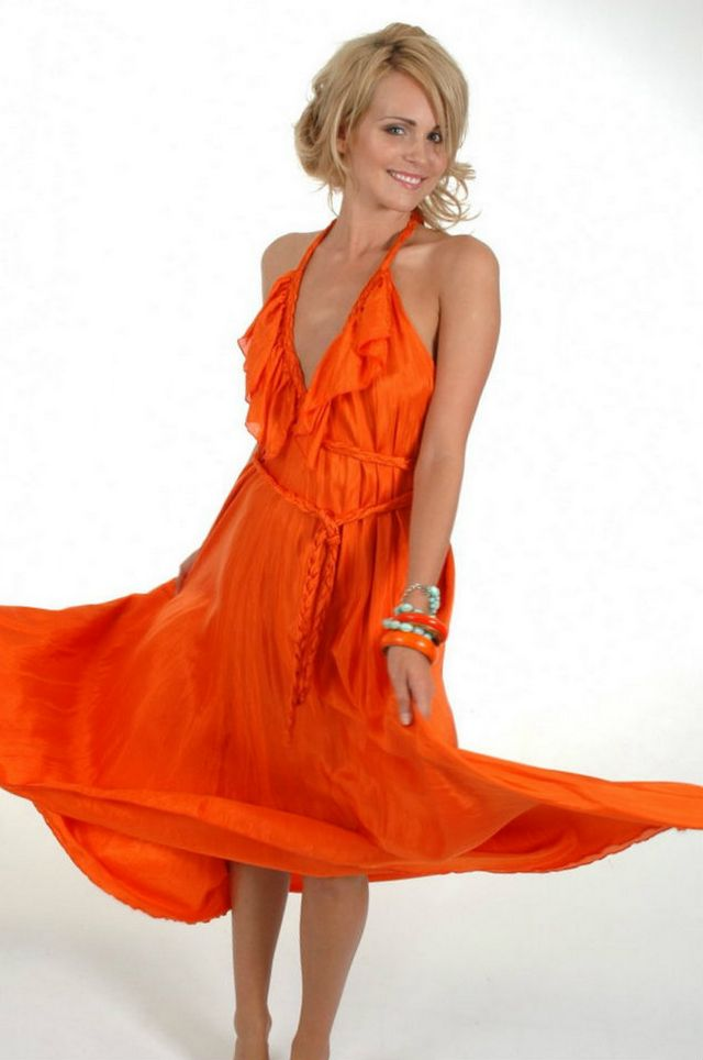 orange wedding dress for pregnant