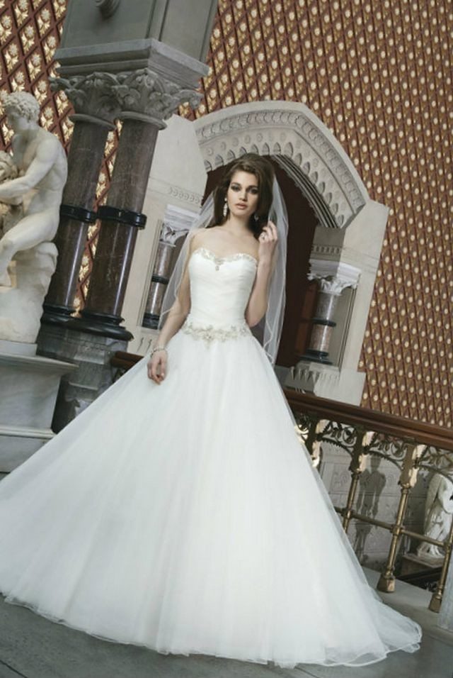 puffy wedding dresses with diamonds