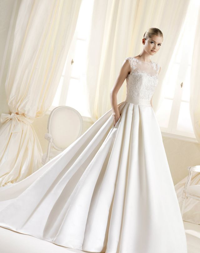Royal Cathedral Train Wedding Gown