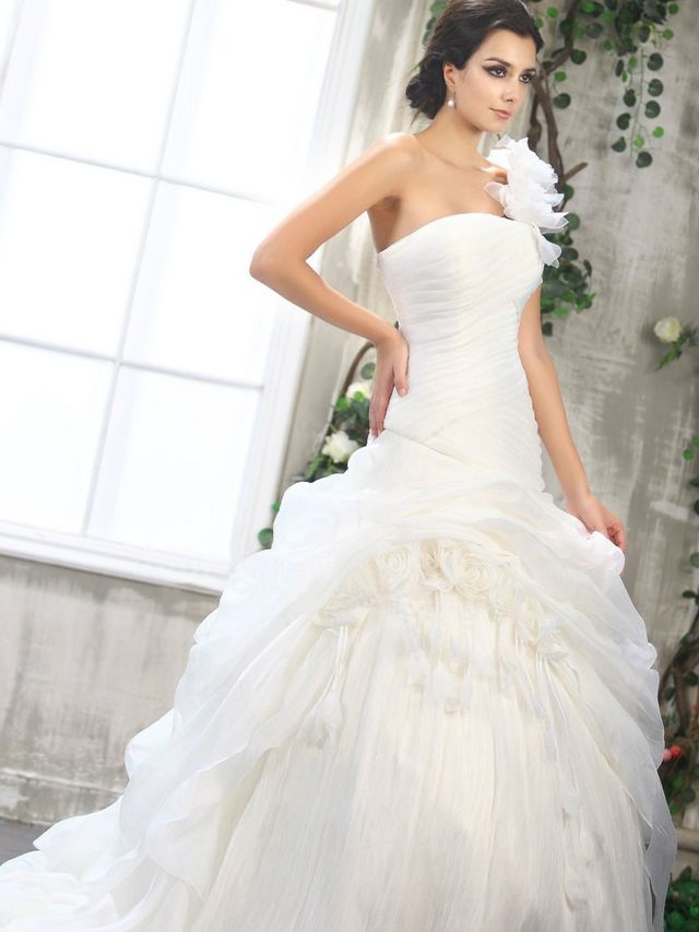 strapless puffy wedding dresses