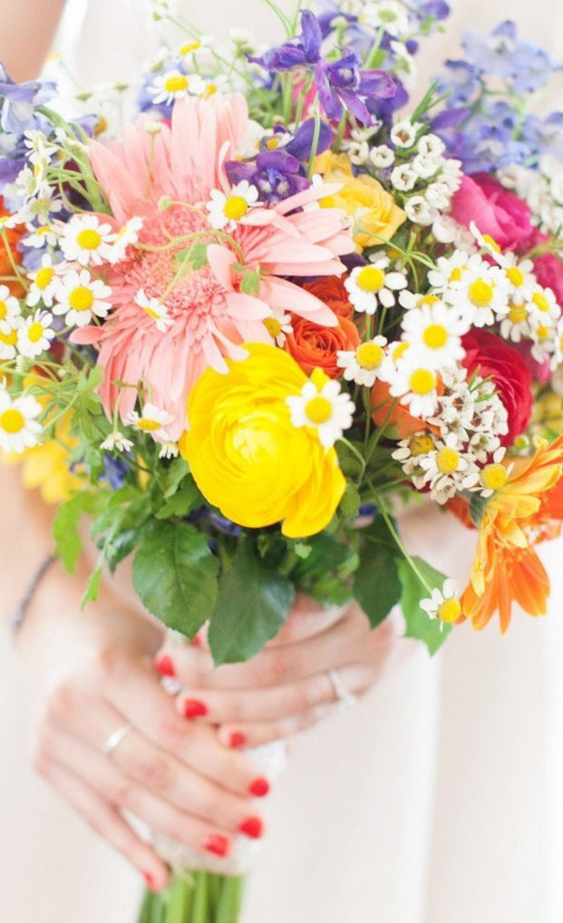 summer wildflower wedding bouquets